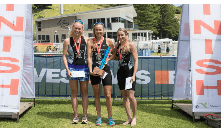 EVES Surfbreaker Triathlon Mount Maunganui Women's podium